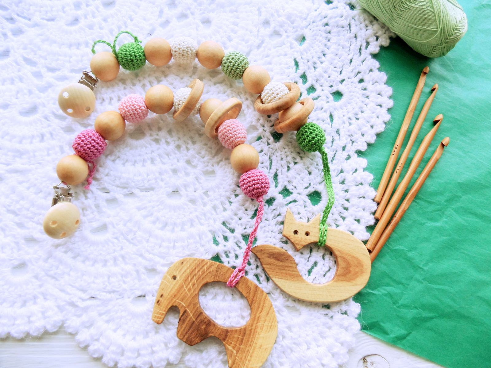 Nursing/teething necklace with clip and toy