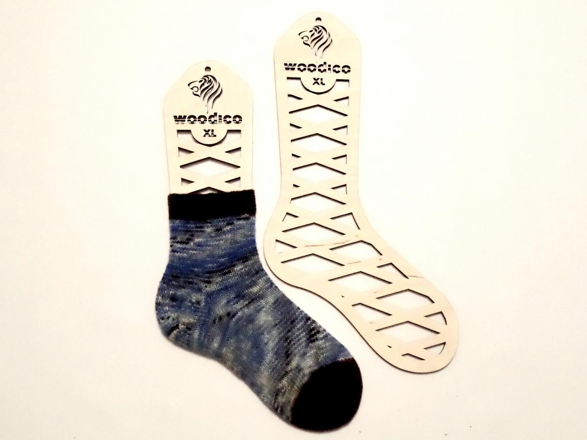 woodico.pro wooden sock blockers leo 1200x900 - Wooden sock blockers / Leo