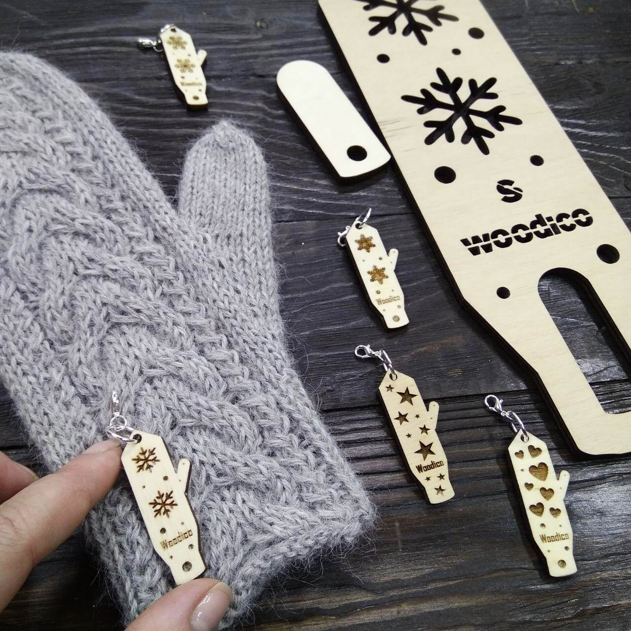 woodico.pro stich markers for knitting mini nordic mitten blockers 4 - A completely new series of products - wooden stich markers for knitiing in the form of our blockers