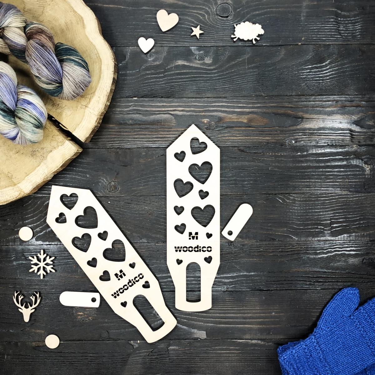 woodico.pro wooden mitten blockers nordic hearts 1 1200x1200 - Wooden mitten blockers / Nordic Hearts