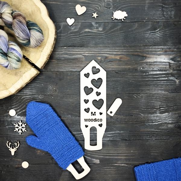 woodico.pro wooden mitten blockers nordic hearts 600x600 - Wooden mitten blockers / Nordic Hearts