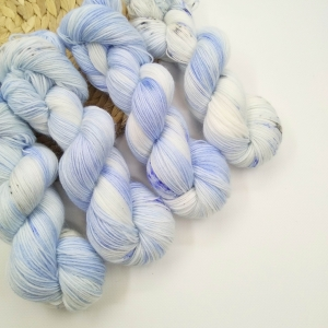 woodico.pro hand dyed yarn 027 1 300x300 - Hand dyed yarn / 027