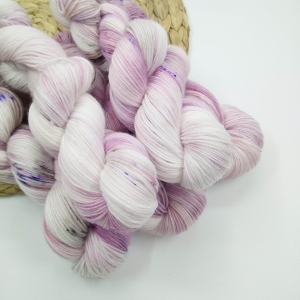 woodico.pro hand dyed yarn 028 3 300x300 - Hand dyed yarn / 028