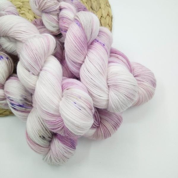 woodico.pro hand dyed yarn 028 3 600x600 - Hand dyed yarn / 028