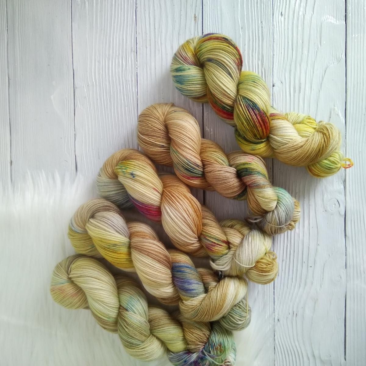 woodico.pro hand dyed yarn 032 5 1200x1200 - Hand dyed yarn / 032