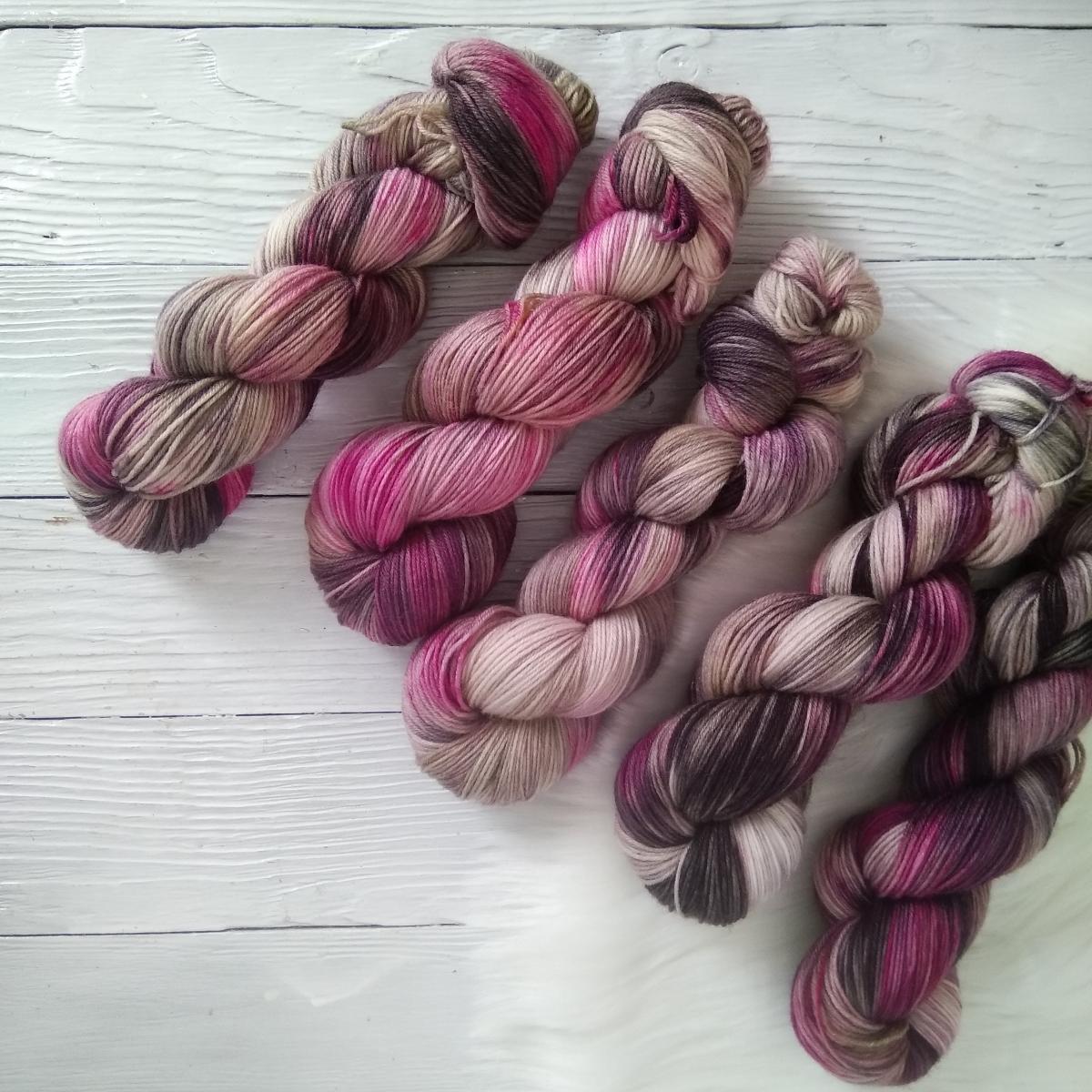 woodico.pro hand dyed yarn 037 4 1200x1200 - Hand dyed yarn / 037