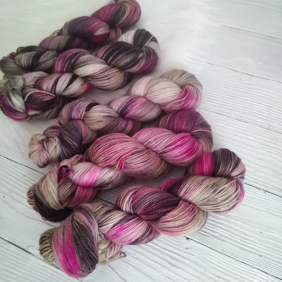 woodico.pro hand dyed yarn 037 6 1200x1200 - Hand dyed yarn / 037