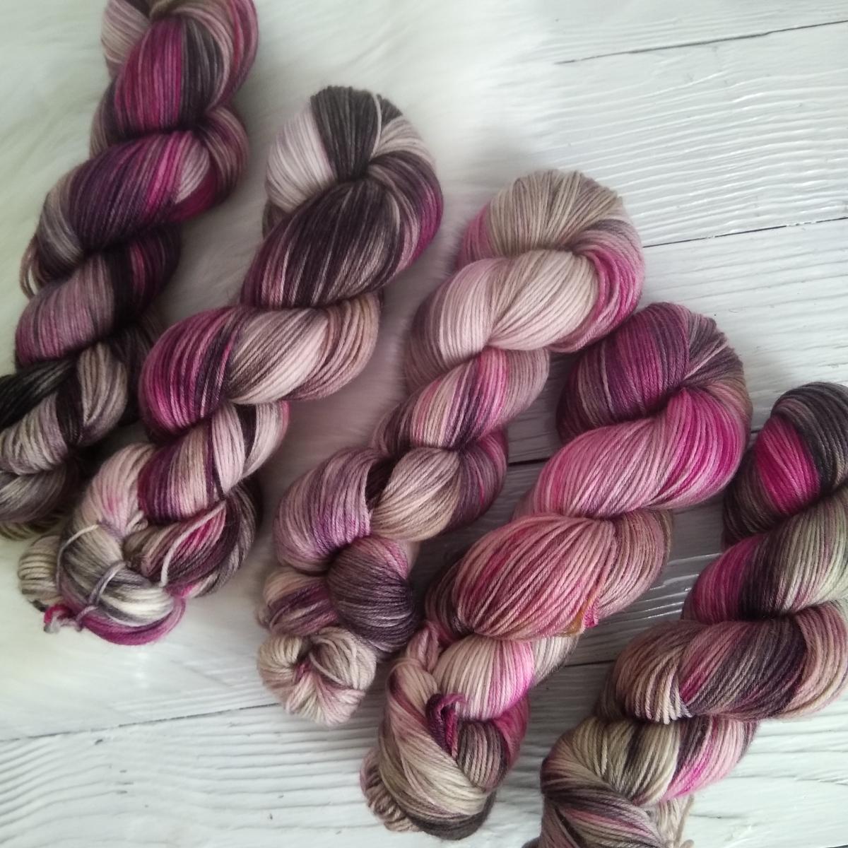 woodico.pro hand dyed yarn 037 7 1200x1200 - Hand dyed yarn / 037