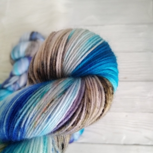 woodico.pro hand dyed yarn 038 5 300x300 - Hand dyed yarn / 038