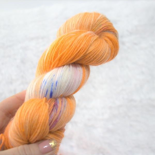 woodico.pro hand dyed yarn 045 600x600 - Hand dyed yarn / 045
