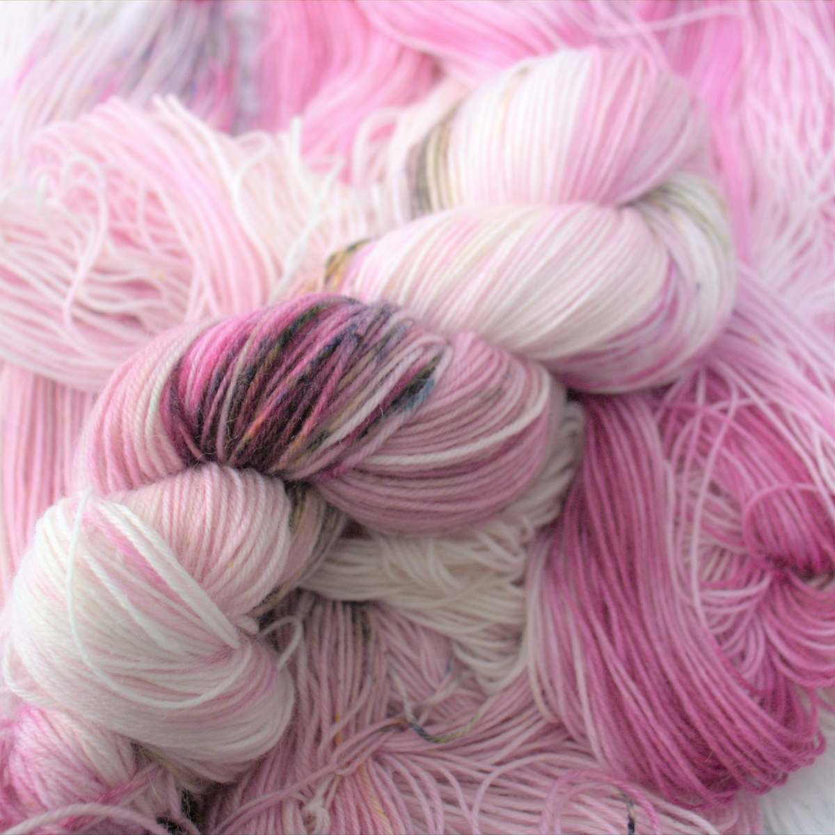 woodico.pro hand dyed yarn 046 copy 1 1200x1200 - Hand dyed yarn / 047