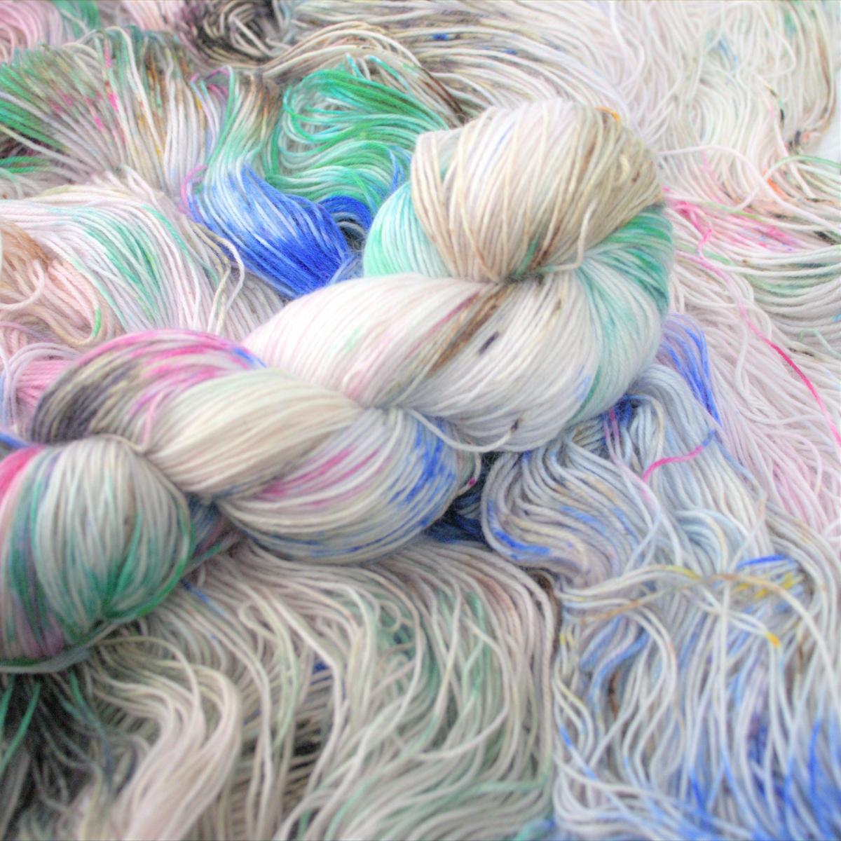 woodico.pro hand dyed yarn 047 copy 2 1200x1200 - Hand dyed yarn / 048