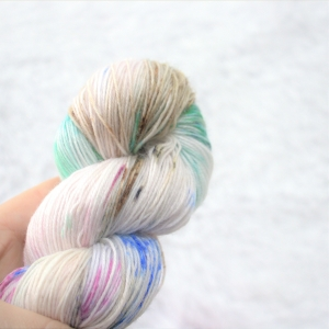woodico.pro hand dyed yarn 048 1 300x300 - Hand dyed yarn / 048