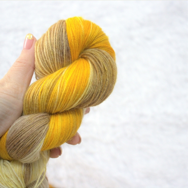woodico.pro hand dyed yarn 049 3 600x600 - Hand dyed yarn / 049