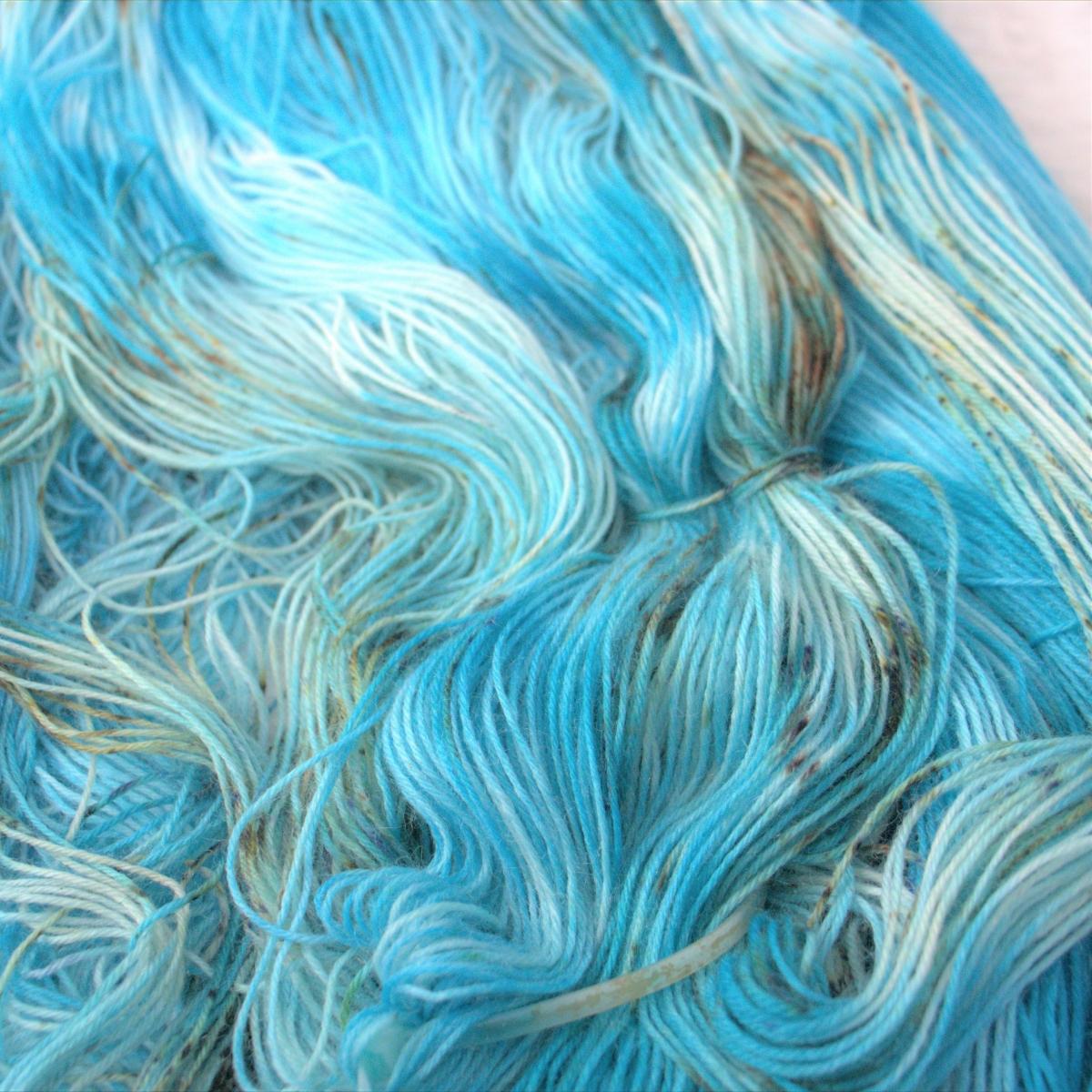 woodico.pro hand dyed yarn 049 copy 1200x1200 - Hand dyed yarn / 050