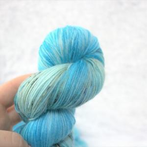 woodico.pro hand dyed yarn 050 2 300x300 - Hand dyed yarn / 050