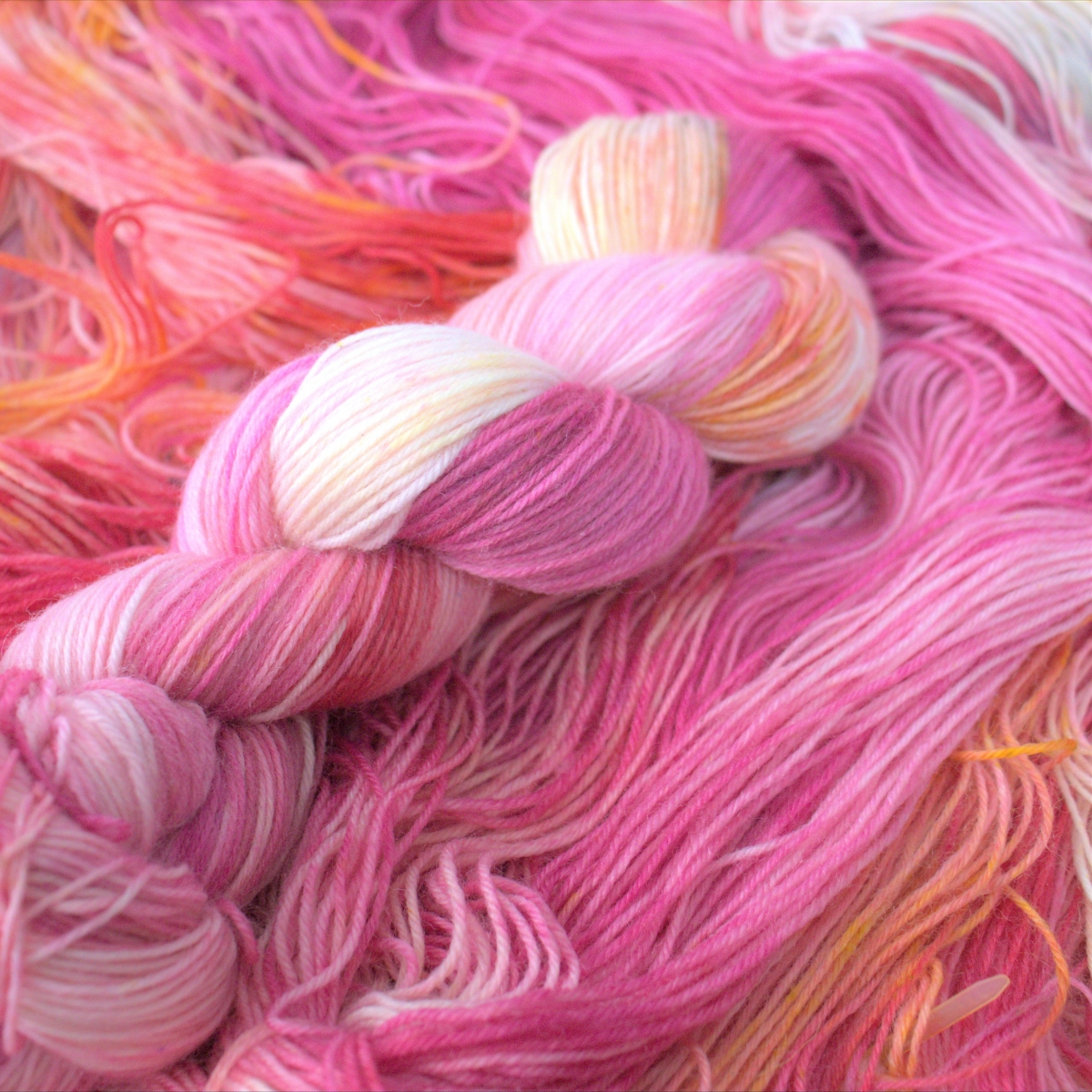 woodico.pro hand dyed yarn 052 copy 1200x1200 - Hand dyed yarn / 053