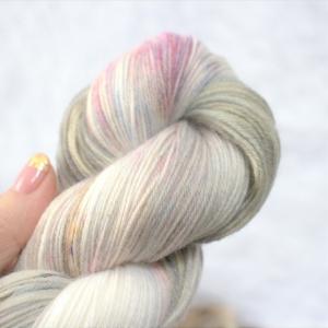 woodico.pro hand dyed yarn 054 2 300x300 - Hand dyed yarn / 054