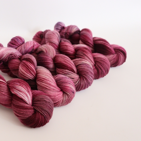 woodico.pro hand dyed yarn 057 1 600x600 - Hand dyed yarn / 057