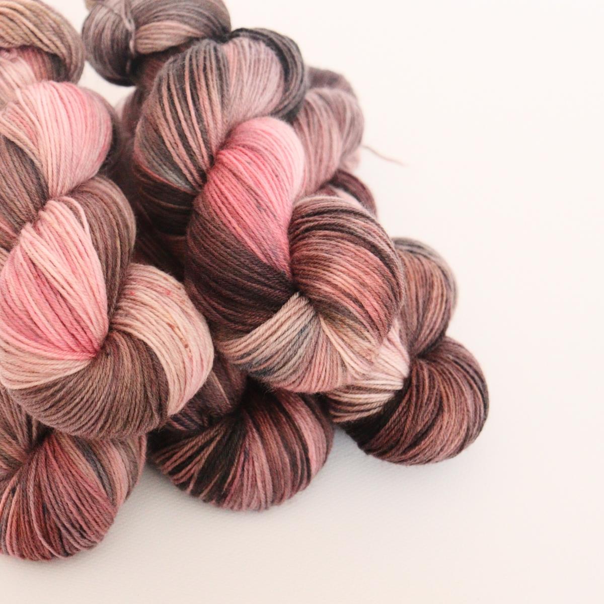 woodico.pro hand dyed yarn 061 2 1200x1200 - Hand dyed yarn / 061