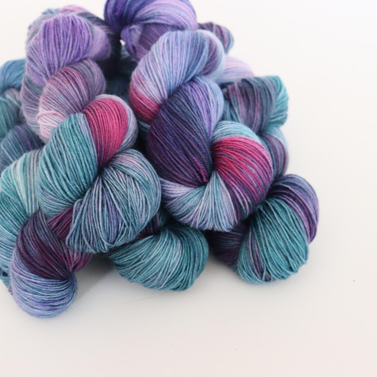 woodico.pro hand dyed yarn 064 2 1200x1200 - Hand dyed yarn / 064