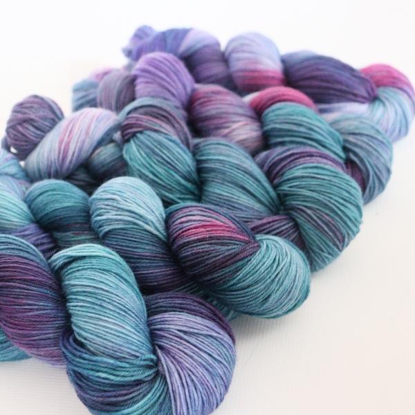 woodico.pro hand dyed yarn 064 600x600 - Hand dyed yarn / 064