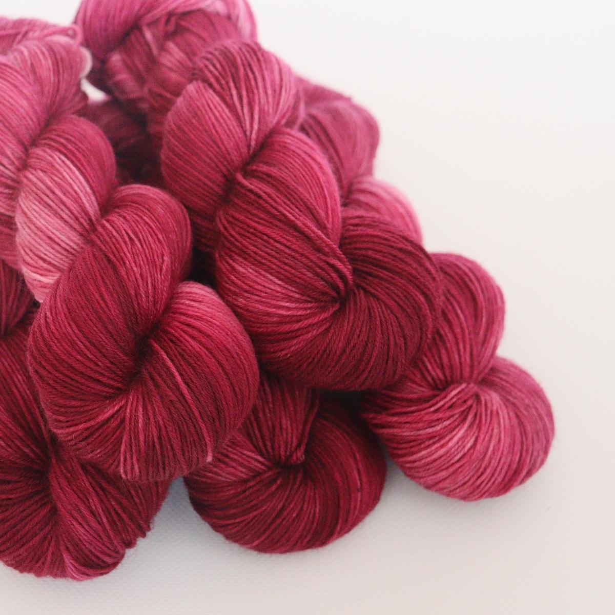 woodico.pro hand dyed yarn 065 2 1200x1200 - Hand dyed yarn / 065