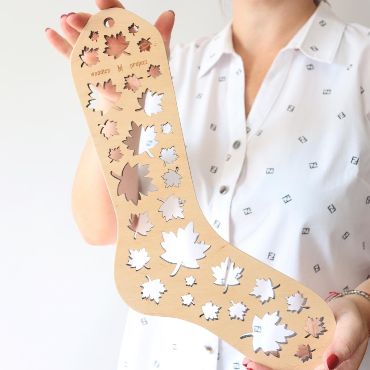 woodico.pro wooden sock blockers maple leaf 6 1200x1200 - Wooden sock blockers / Maple-Leaf