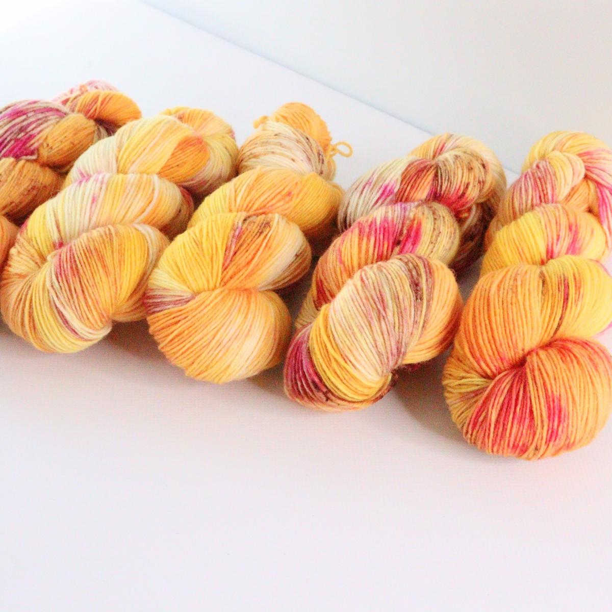 woodico.pro hand dyed yarn 071 2 1200x1200 - Hand dyed yarn / 071