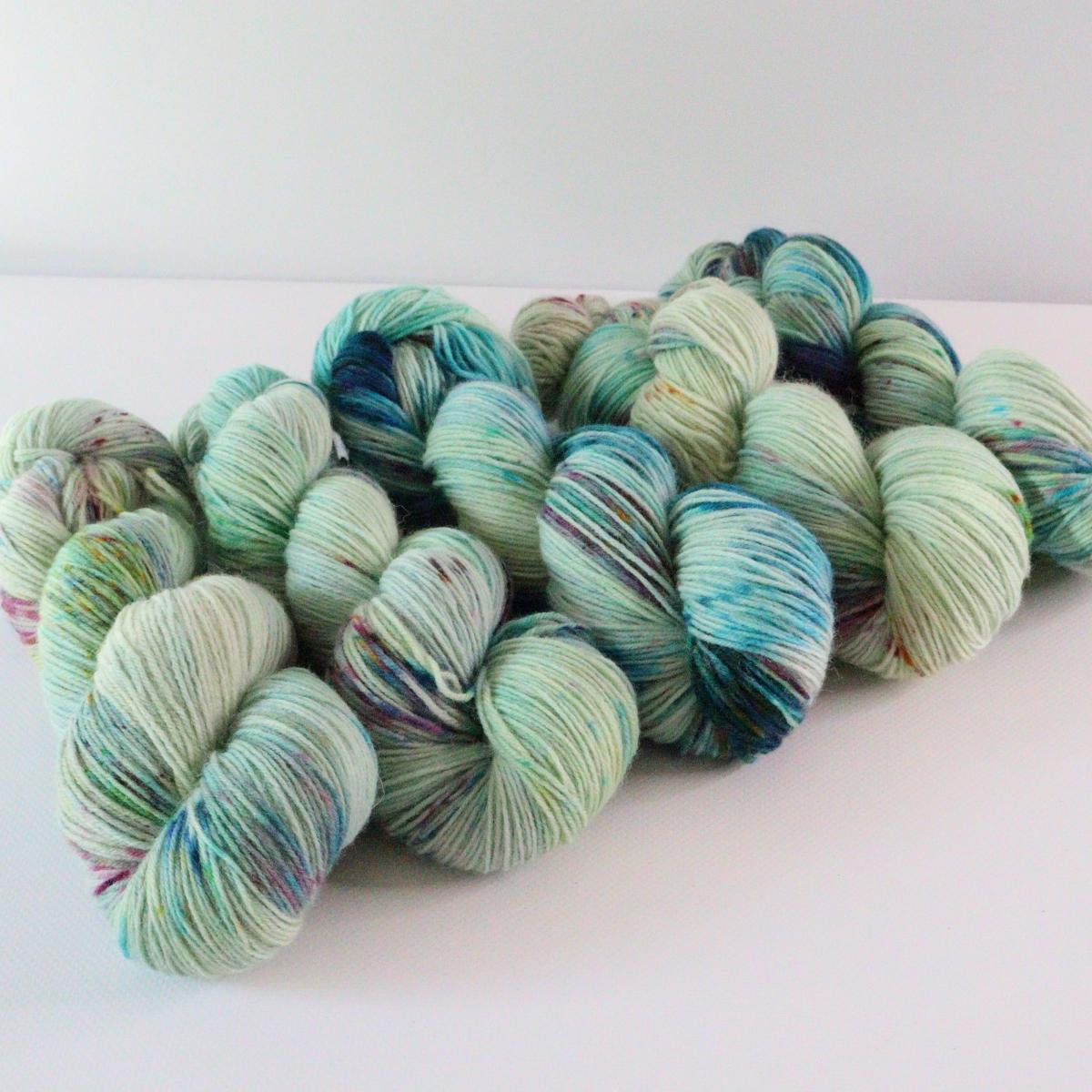 woodico.pro hand dyed yarn 072 1200x1200 - Hand dyed yarn / 072