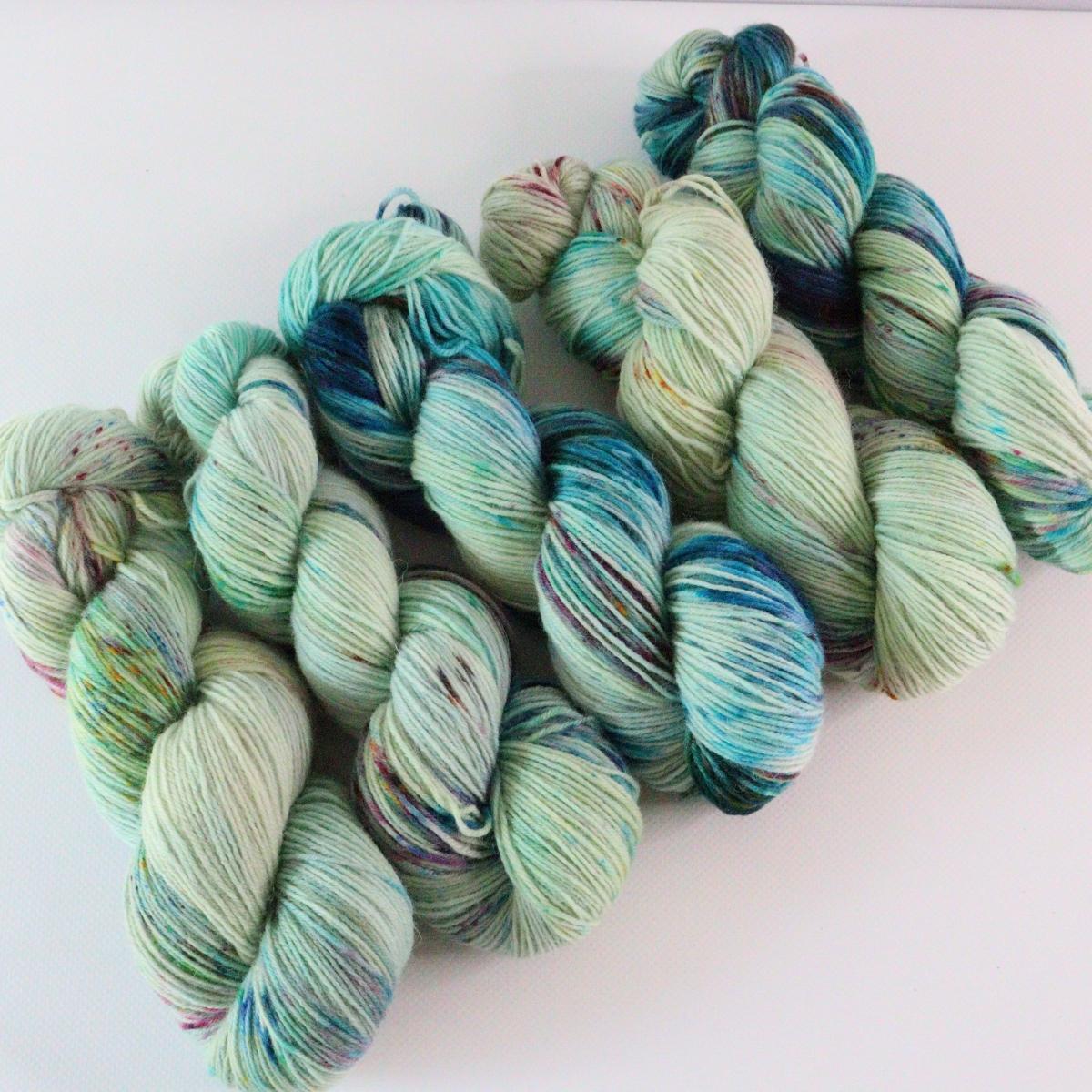 woodico.pro hand dyed yarn 072 2 1200x1200 - Hand dyed yarn / 072