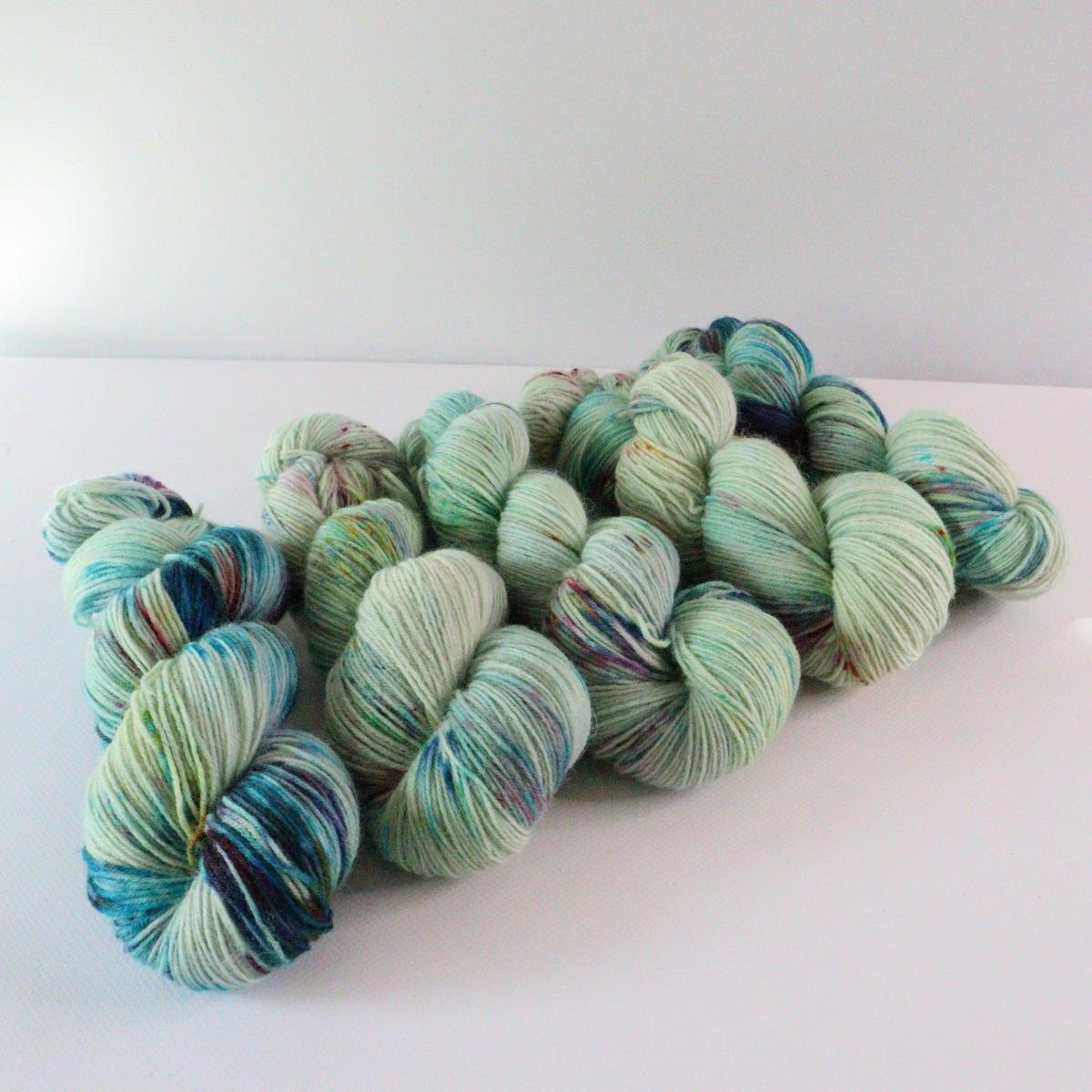 woodico.pro hand dyed yarn 072 4 1200x1200 - Hand dyed yarn / 072