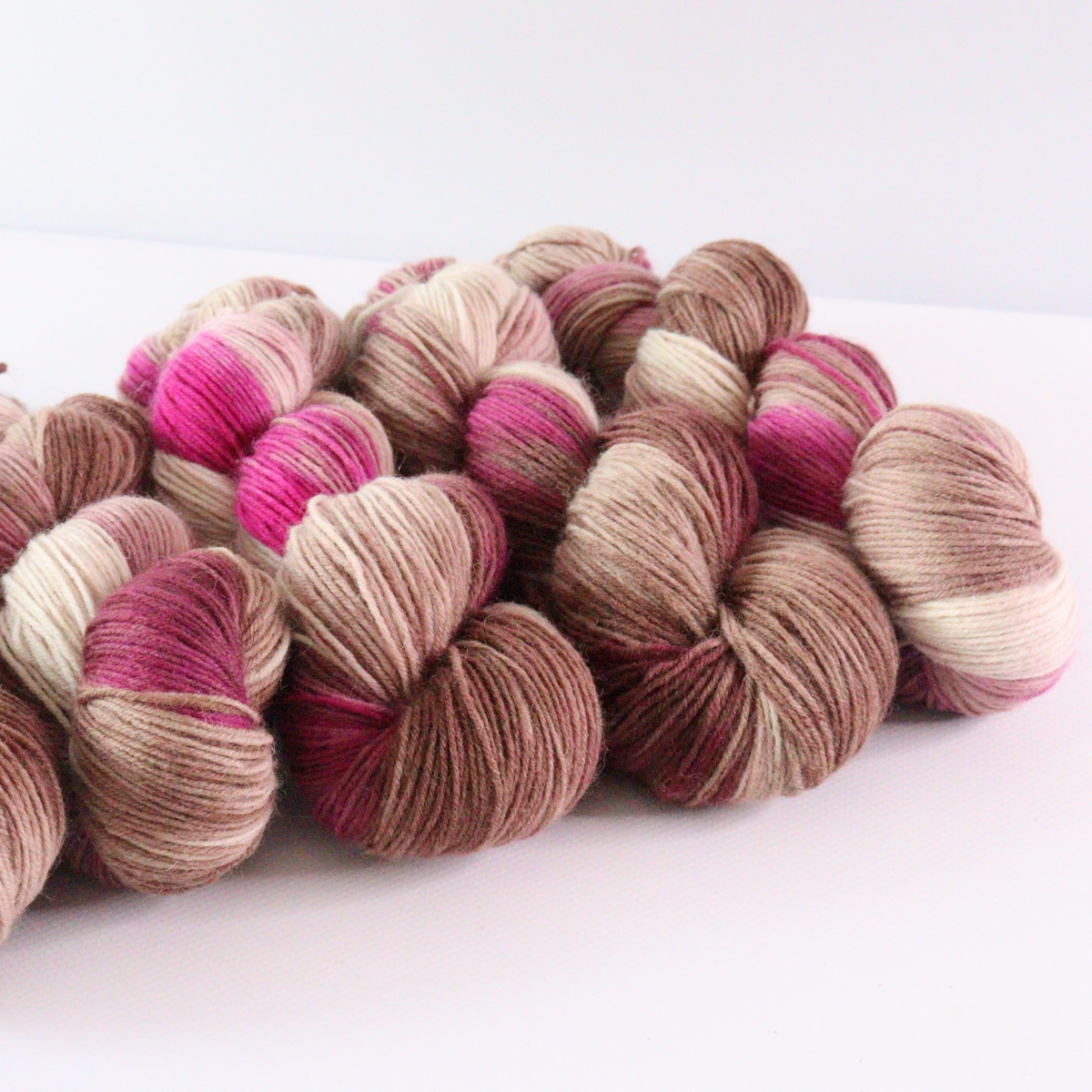 woodico.pro hand dyed yarn 073 4 1200x1200 - Hand dyed yarn / 073
