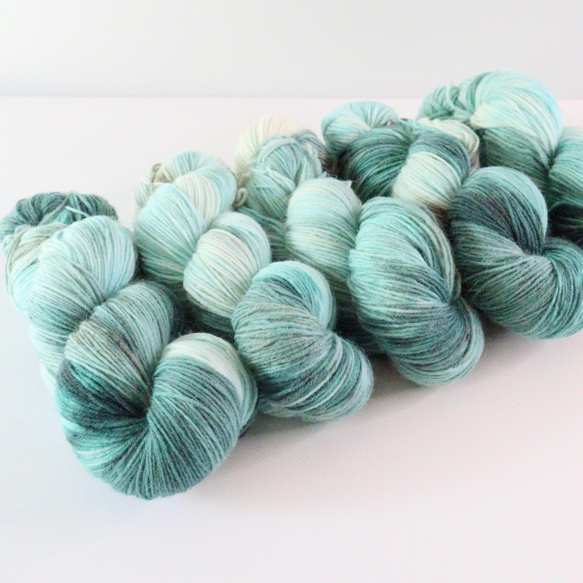 woodico.pro hand dyed yarn 074 1 1200x1200 - Hand dyed yarn / 074
