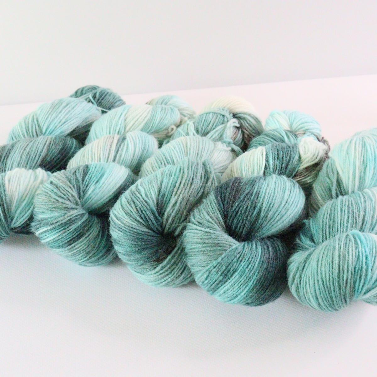 woodico.pro hand dyed yarn 074 4 1200x1200 - Hand dyed yarn / 074