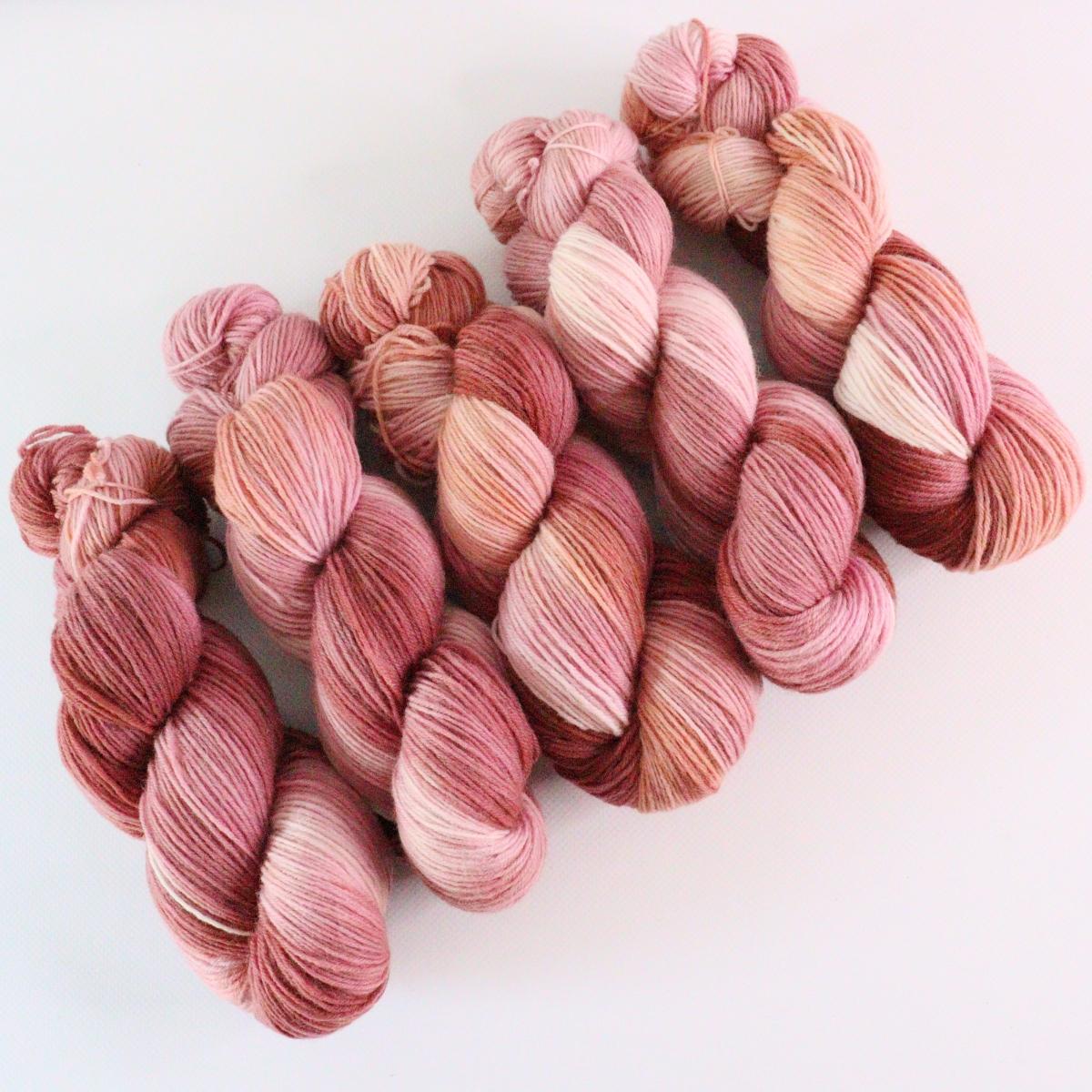 woodico.pro hand dyed yarn 075 2 1200x1200 - Hand dyed yarn / 075
