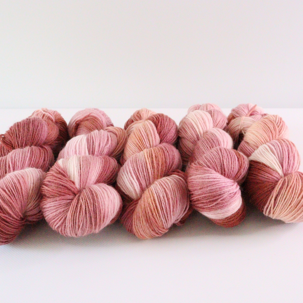 woodico.pro hand dyed yarn 075 4 1200x1200 - Hand dyed yarn / 075