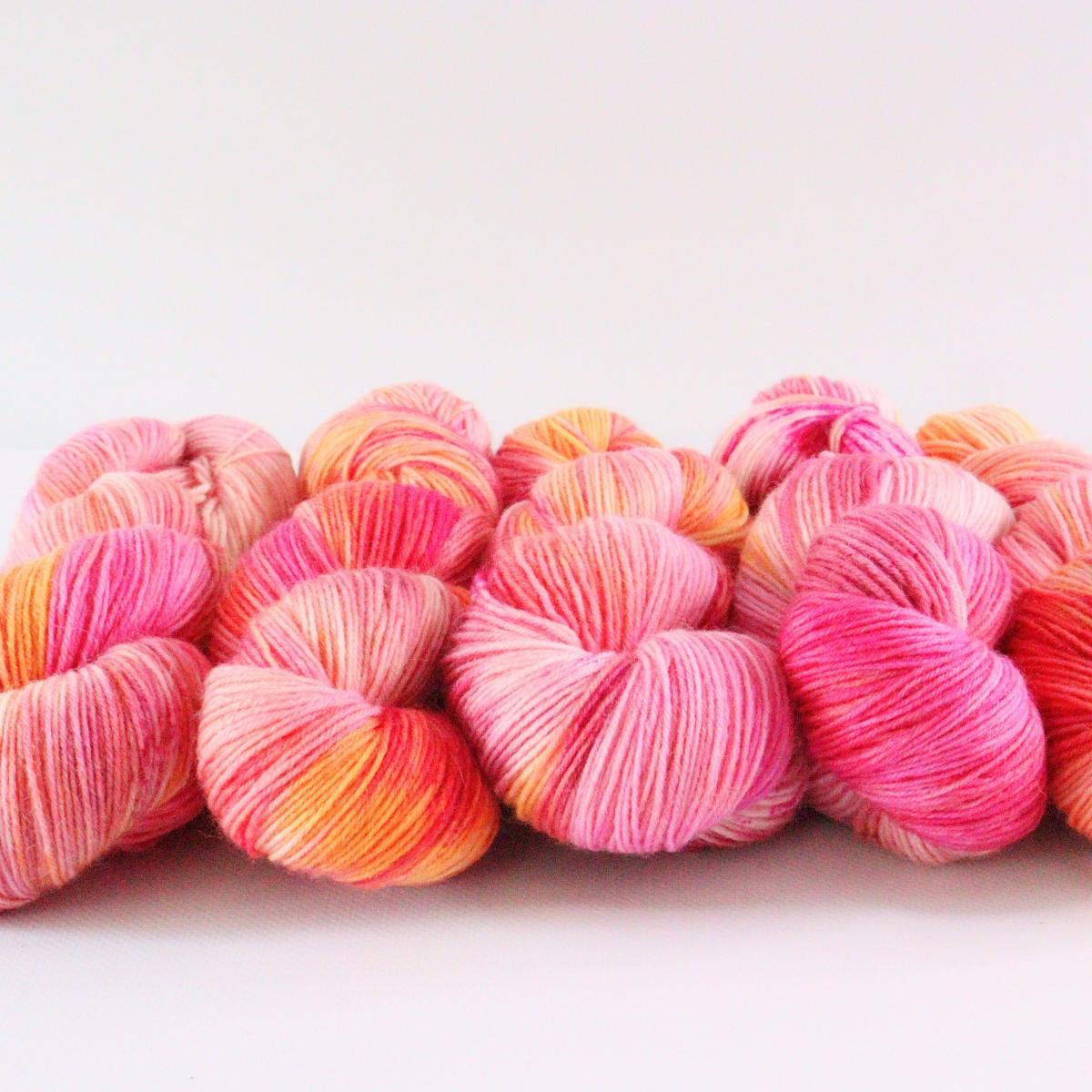woodico.pro hand dyed yarn 076 4 1200x1200 - Hand dyed yarn / 076