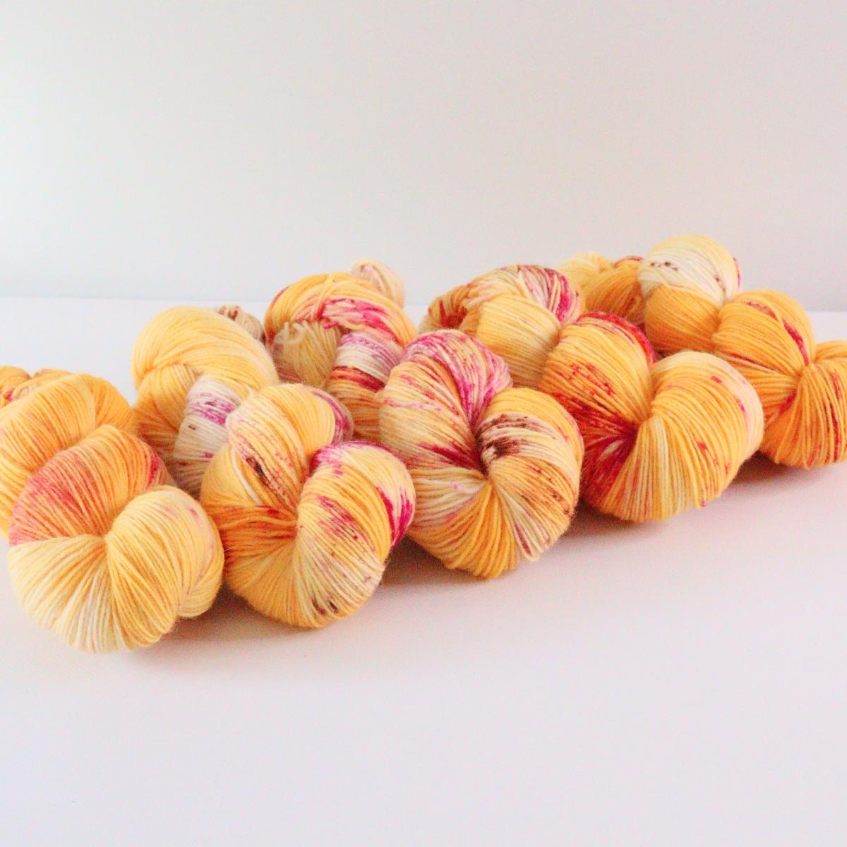 woodico.pro hand dyed yarn 077 3 1200x1200 - Hand dyed yarn / 077