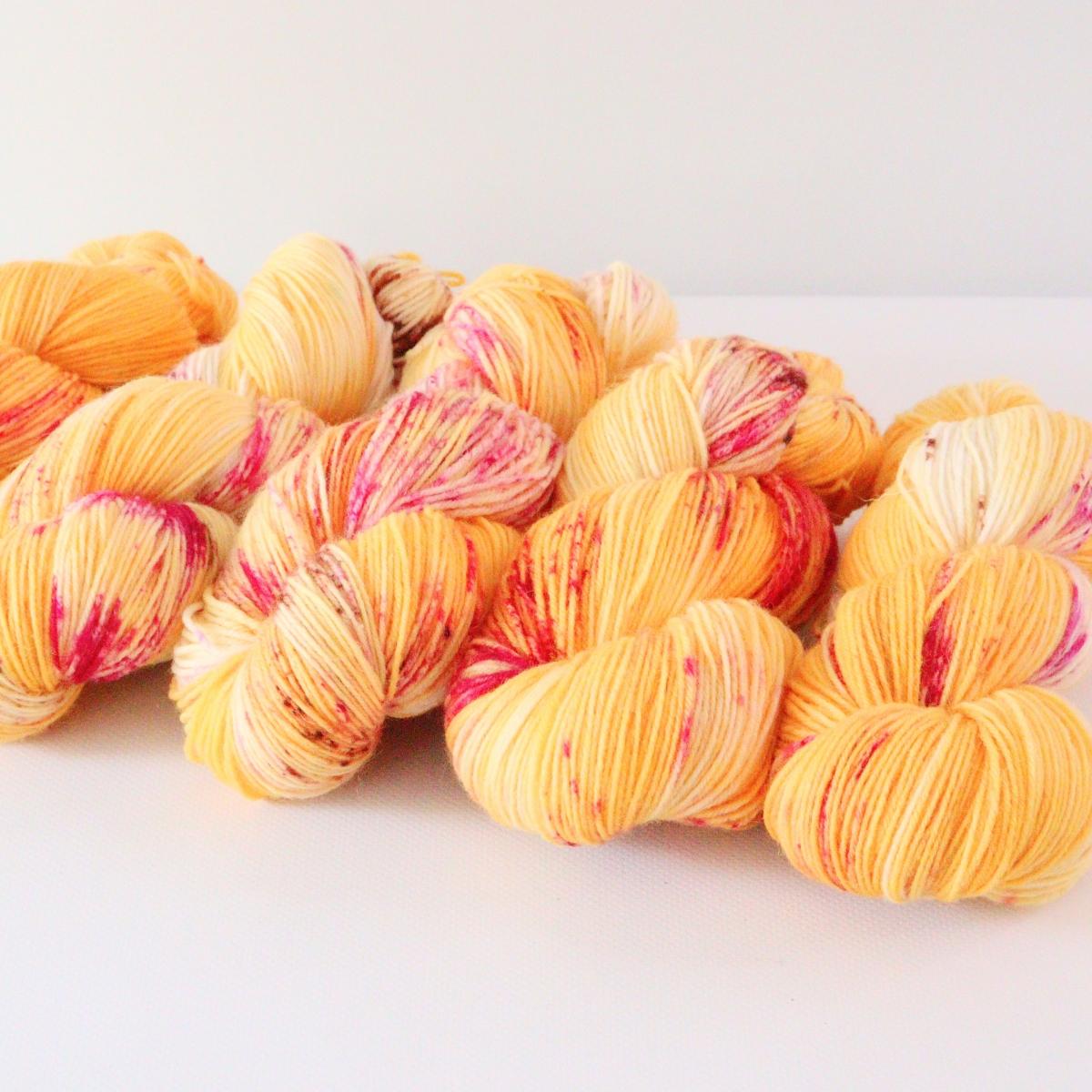 woodico.pro hand dyed yarn 077 5 1200x1200 - Hand dyed yarn / 077