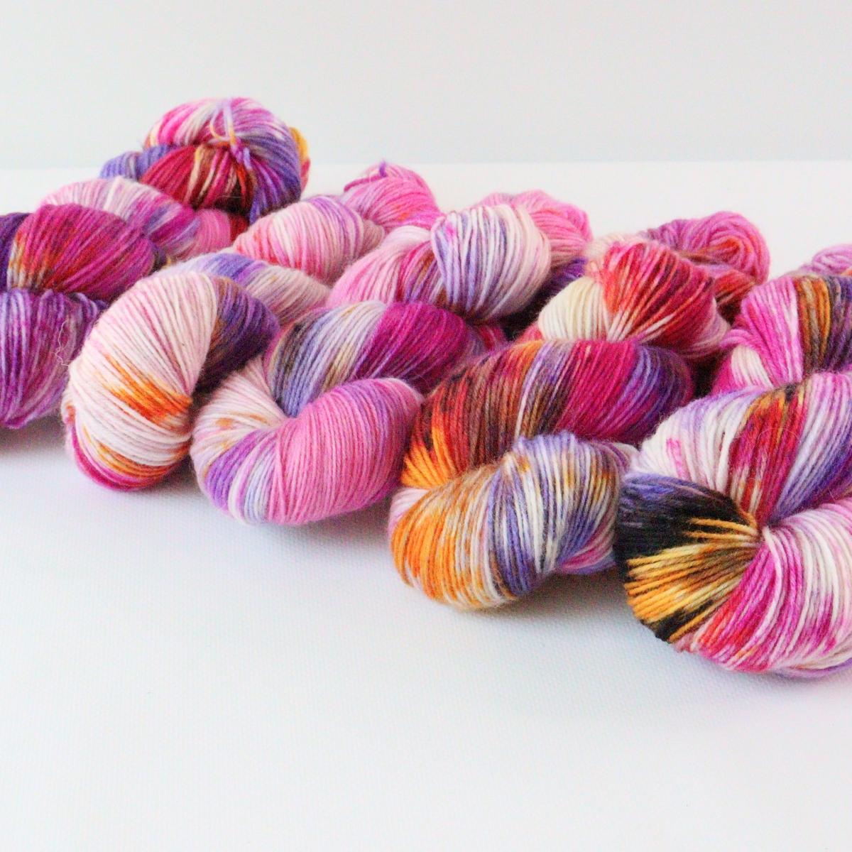 woodico.pro hand dyed yarn 084 4 1200x1200 - Hand dyed yarn / 084