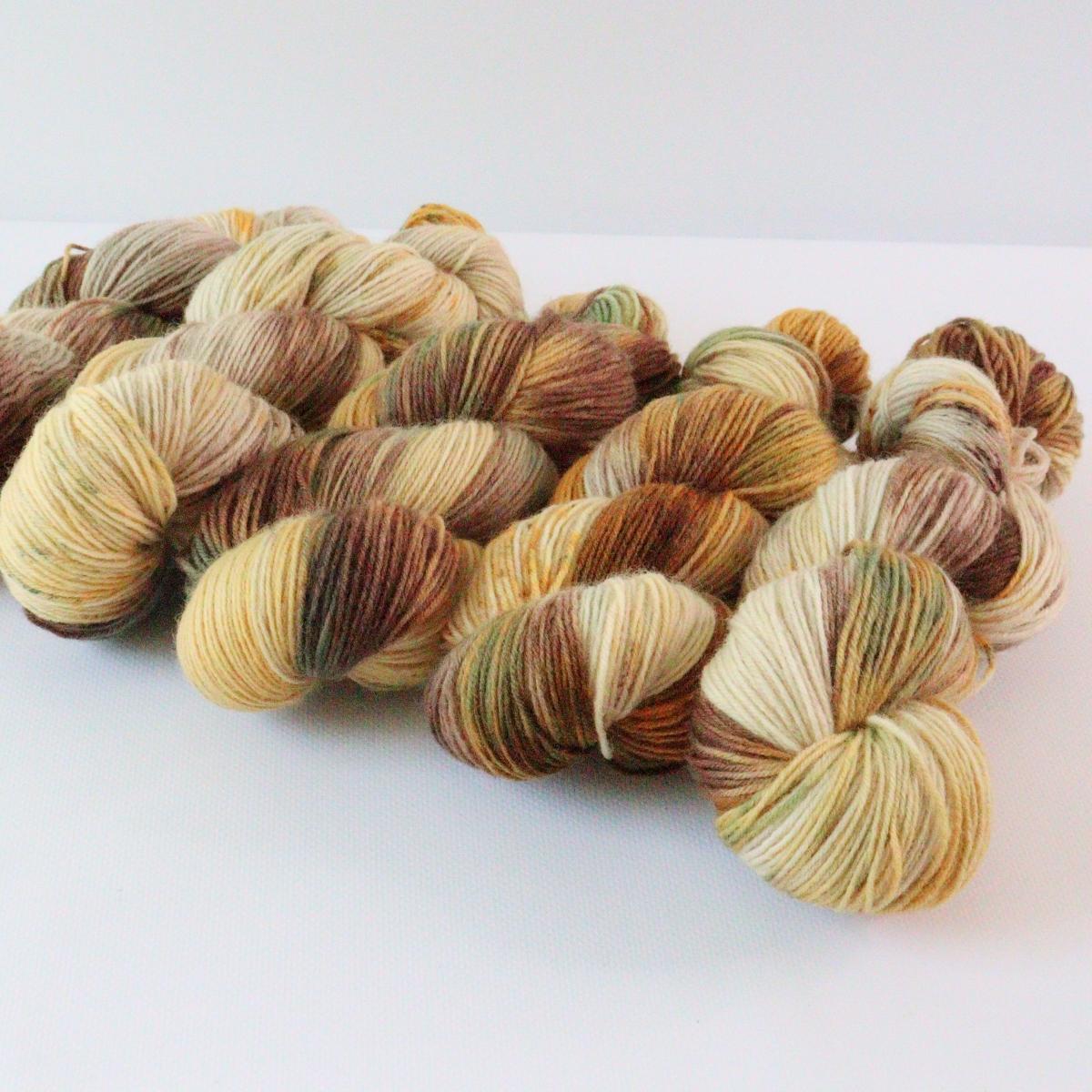 woodico.pro hand dyed yarn 088 4 1200x1200 - Hand dyed yarn / 088