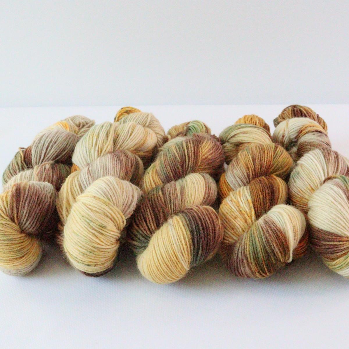 woodico.pro hand dyed yarn 088 5 1200x1200 - Hand dyed yarn / 088